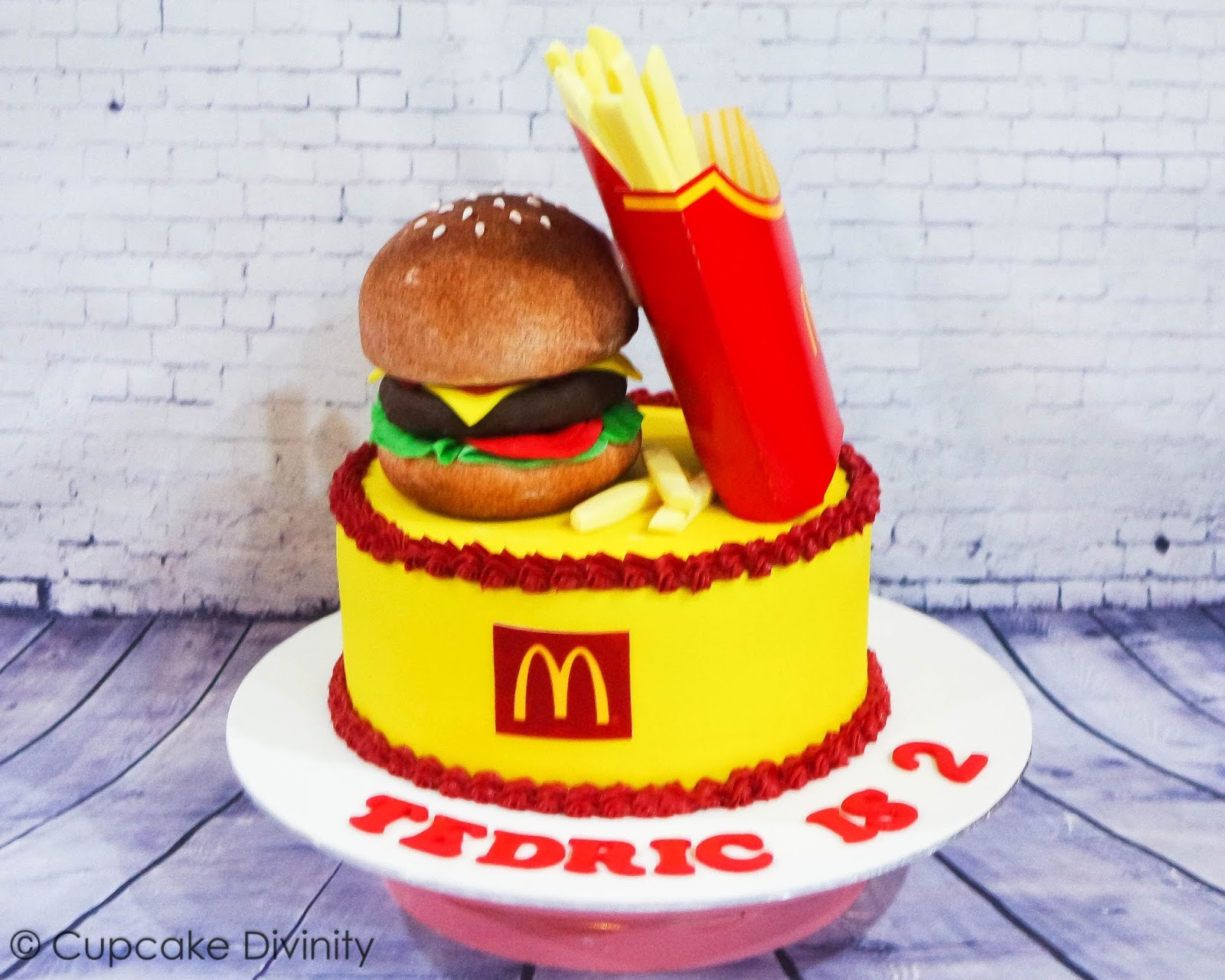 Cupcake Divinity McDonalds Hamburger Fries Set Cake