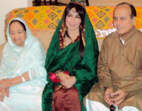 Dr sadia khan - 4 1