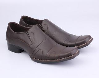 grosir sepatu kerja pria,sepatu kerja pria aladin,sepatu kerja warna coklat,sepatu kerja pegawai bank,sepatu kerja guru pria,grosir sepatu kantor kulit asli,suplayer sepatu kerja murah bandung
