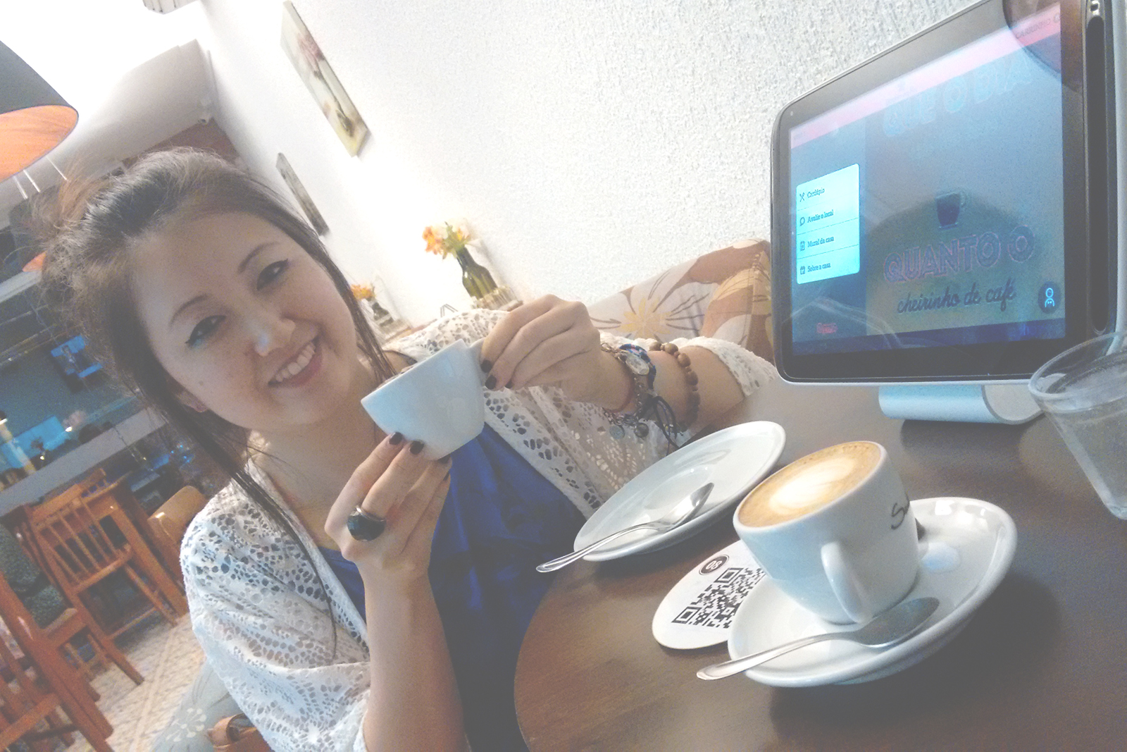 tomando café Cafeteria & Doceria Cerejeira em Flor campinas