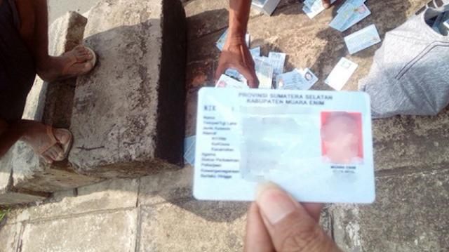 2 Dus e-KTP Tercecer di Bogor, Warganet: Ngeri-Ngeri Sedap Jelang Pilpres