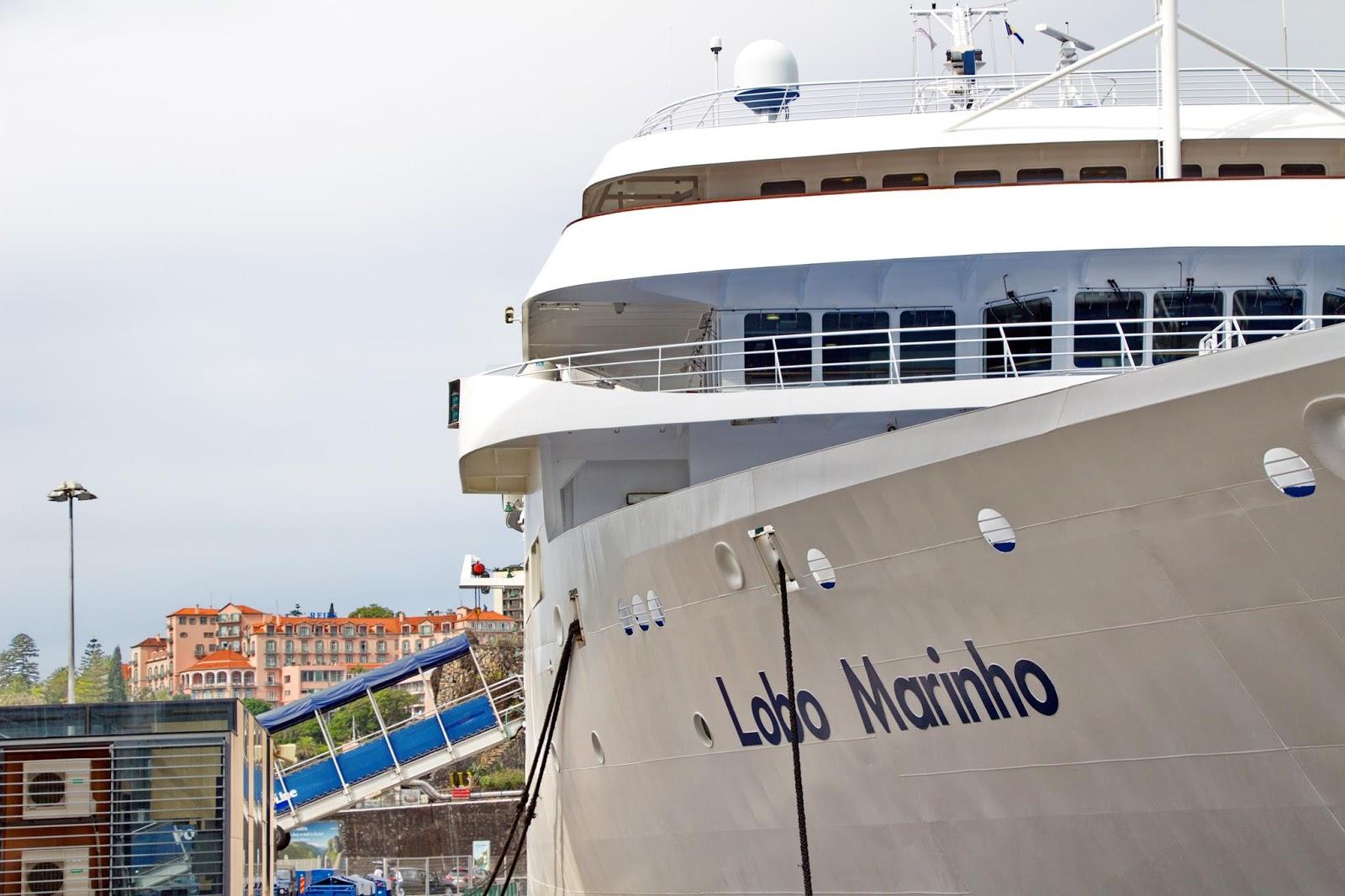 um ferry muito elegante e confortável