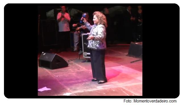 O cantor Cauby Peixoto, que faleceu na semana passada, foi homenageado no palco da Praça da República