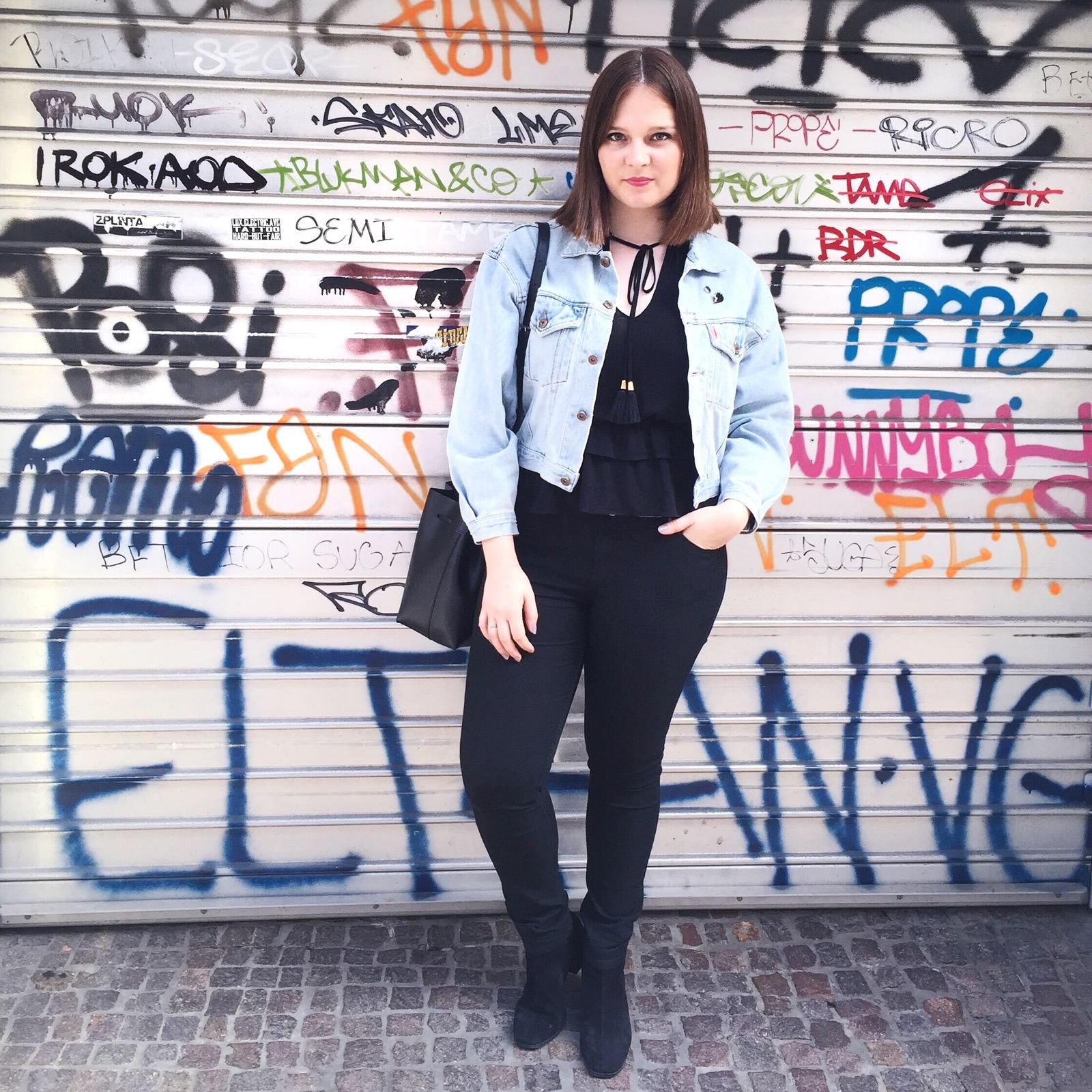 outfit luxembourg graffiti wall