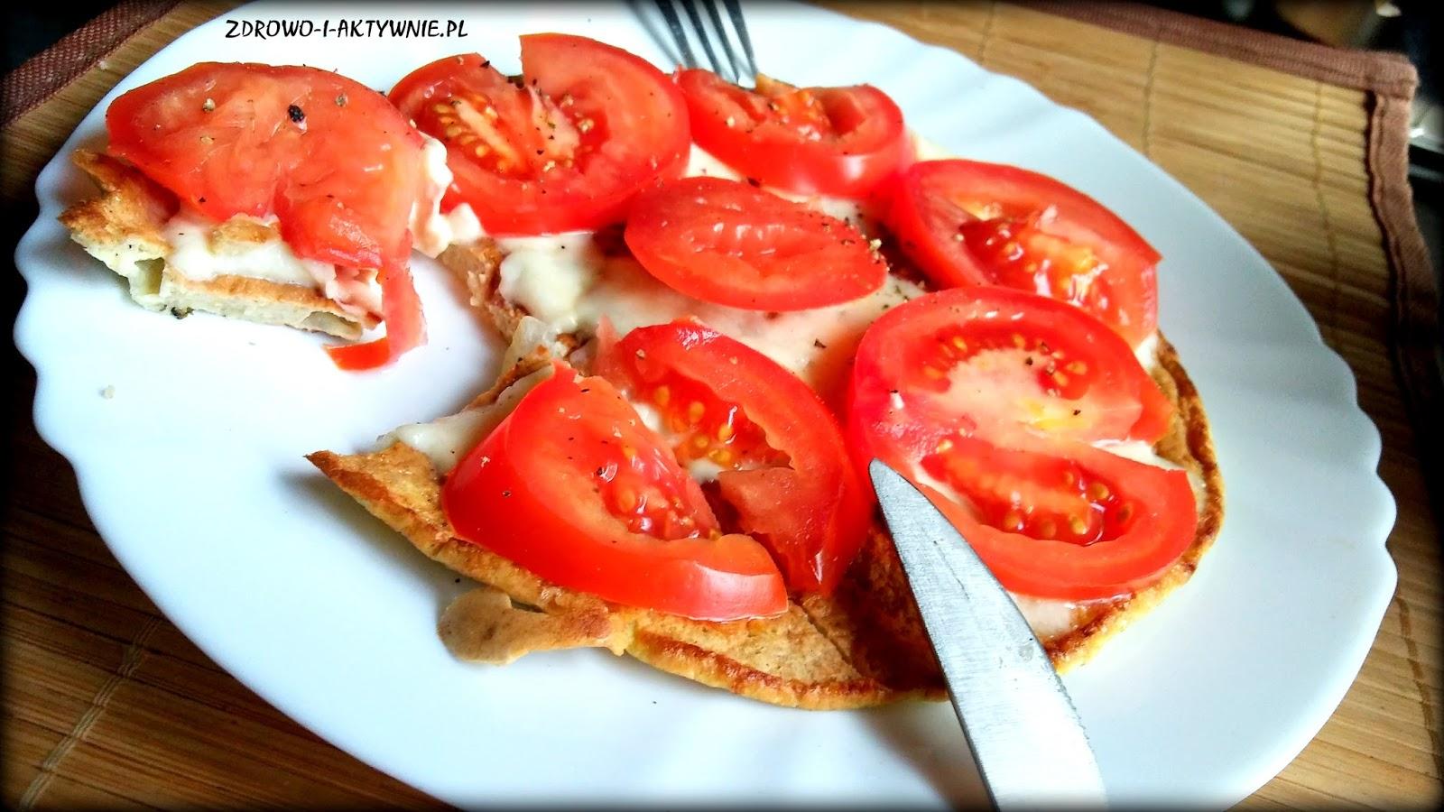 Owsiany omlet z mozzarellą