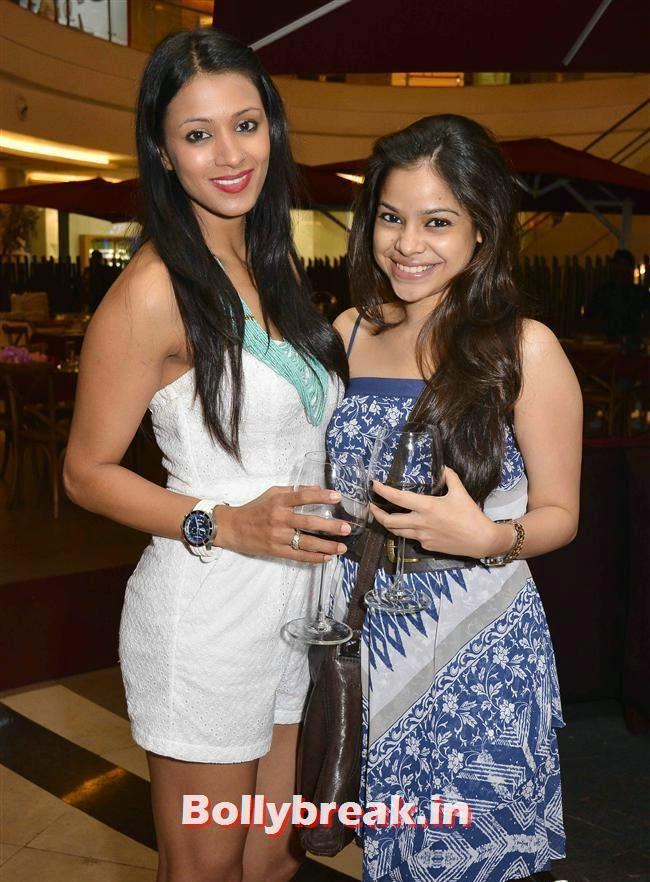 Barkha Bisht and Sumona Chakravarti, Crystal, Mouli & Mouni  at Easter Celebrations