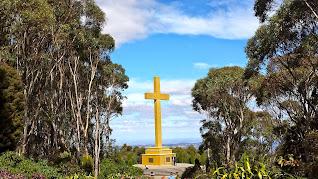 Memorial Cross Mt Macedon