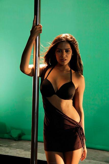 Poonam Pandey Latest Hot