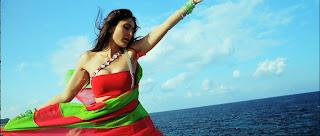 Kareena Kapoor Saree.jpg
