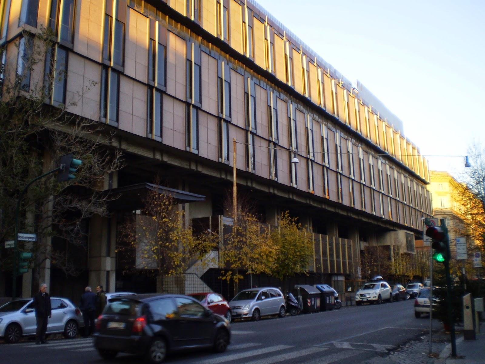 Roma  Piano di recupero dellenorme complesso di via