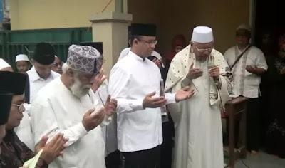Tim Pemenangan: Kalau Kyai Sudah Ridho, Insya Allah Anies-Sandi Menang