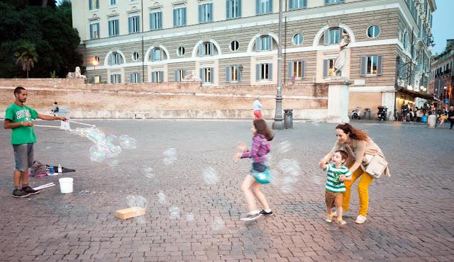 Pompas de Jabon el la Piazza del Popolo