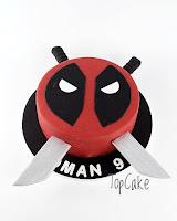 Supersankarikakku, syntymäpäiväkakku, juhlakakku, suklaakakku, topcake, satuhahmokakku, miekkakakku, sword cake, birthday, party,