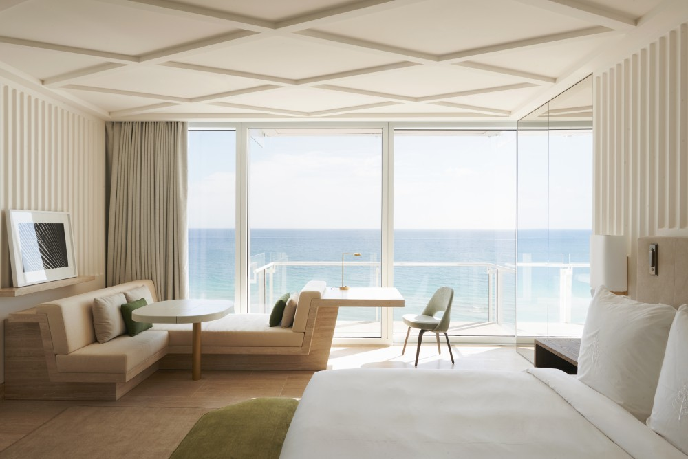Weekend Favorites : The Surf Club Four Seasons, Miami