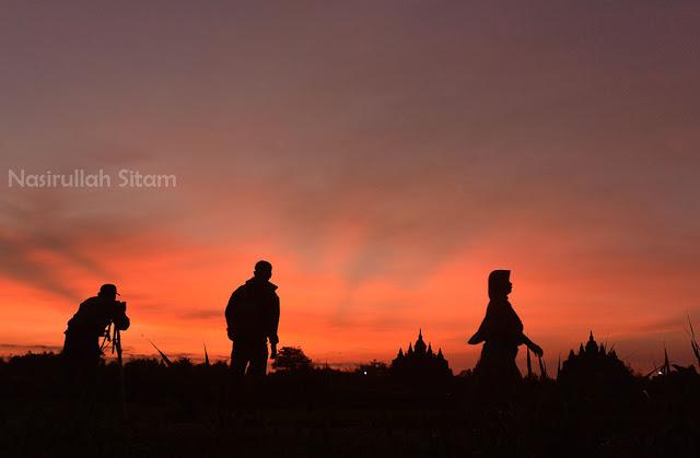Langit Jingga di area Candi Plaosan, Klaten