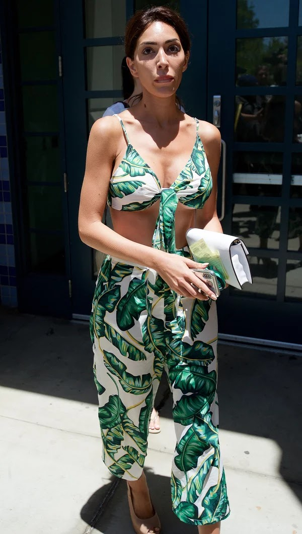 Farrah Abraham Leaves jail Wearing a Beverly hills hotel Inspired Outfit After Capture