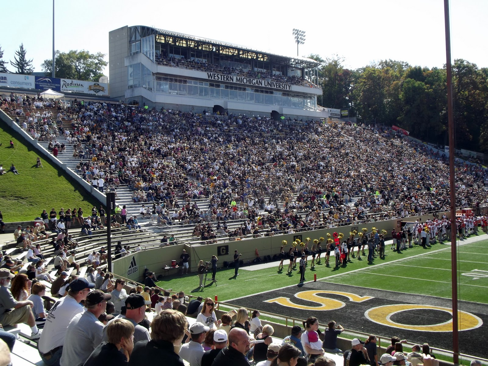 took in  wmu game as respite from all my driving around for the day it was nice to sit down but man hot afternoon also waldo stadium kalamazoo mi marching arenas rh marchingarenasspot