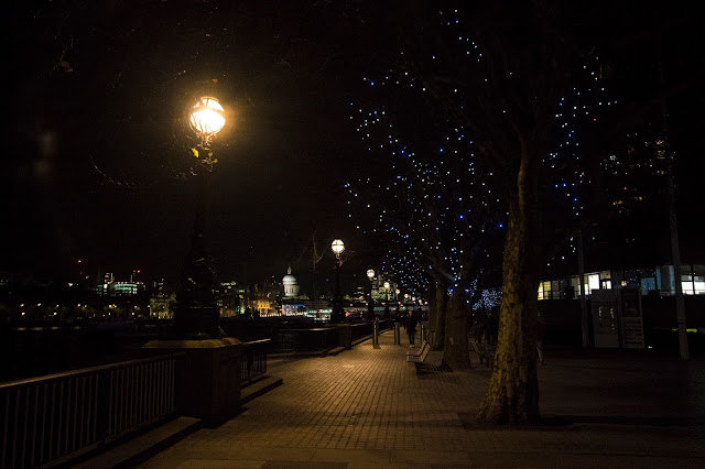 Queen's walk-Londra