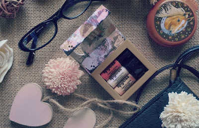 What makes an Extraordinary Feminine Woman Beautiful and Sexy
