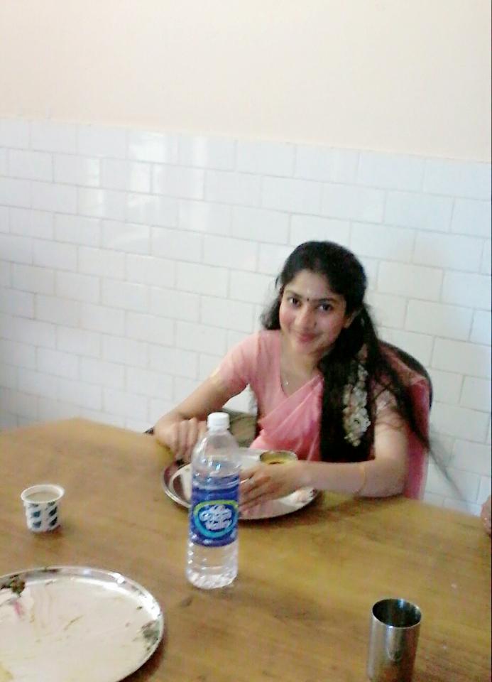 Premam Fame Sai Pallavi Unseen Photos  Boxofficeonline