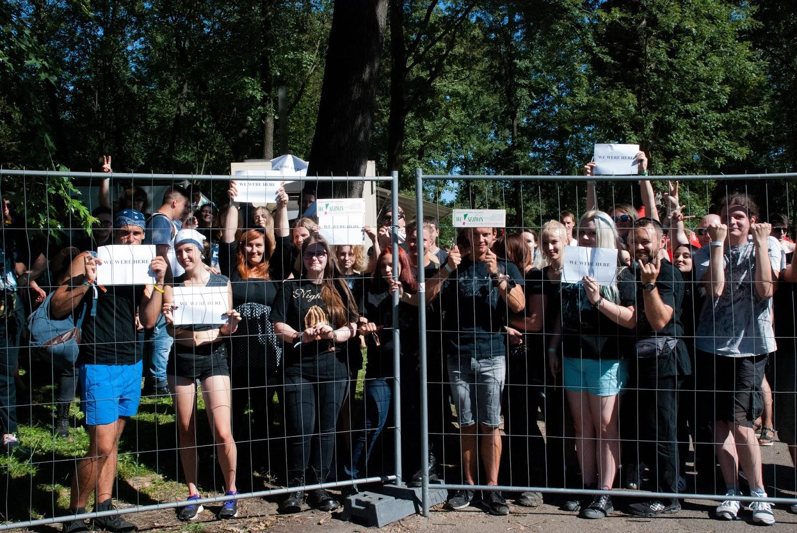 Fani Nightwish oczekujący na otwarcie bram Czad Festiwalu