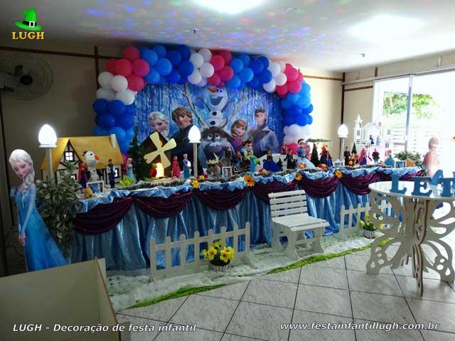 Mesa temática infantil do Frozen - festa de aniversário - Decoração tradicional super luxo