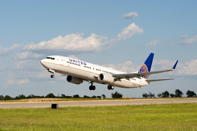 Boeing 737-900ER, Extended Range Version of United Continental