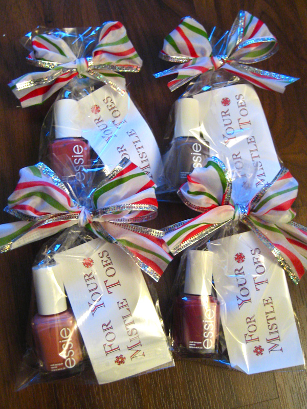 """Erica's DIY Work: DIY - Christmas """"for your mistle toes"""""""