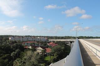 En el puente hacia Palm Coast