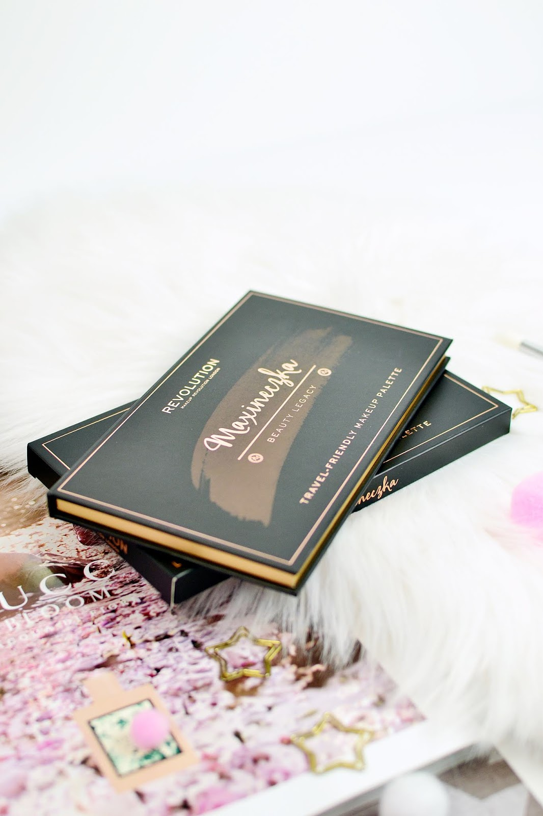 maxineczka beauty legacy travel friendly palette makeup revolution