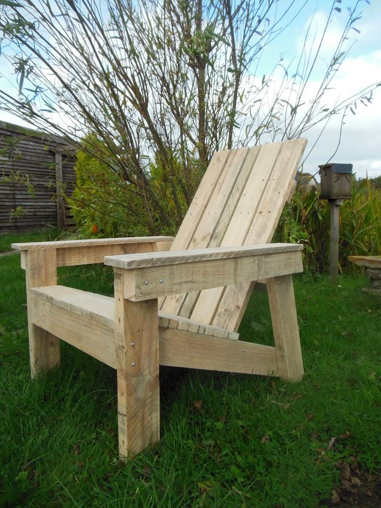 Coach House Crafting on a budget: DIY Adirondack chair.