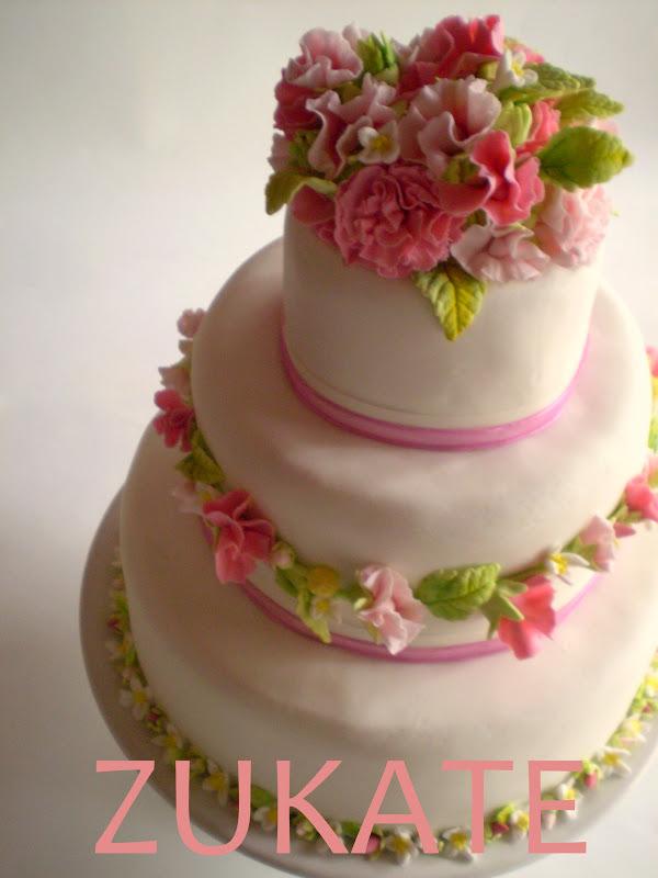 Torta Matrimonio Country Chic : Torta de bodas estilo shabby chic zukate