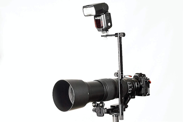 Hejnar Photo Extended Flash Bracket on Nikon long lens support