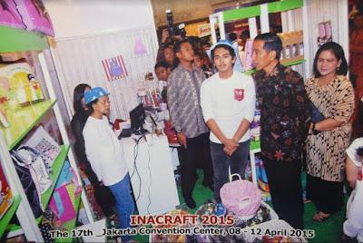 Booth Char n Coll dikunjungi oleh Jokowi pada Pameran Inacraft 2015 Jakarta