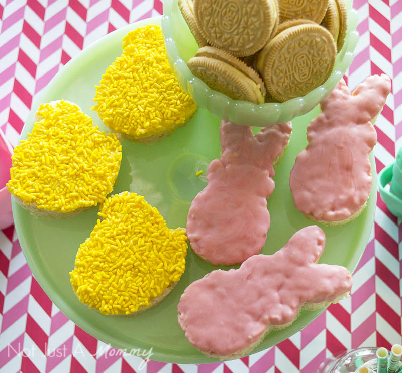 How To Style A Easter Table; Peep shaped Rice Krispie Treats