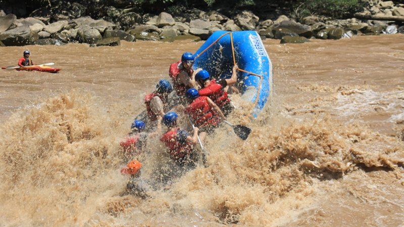Best Kayaking and Rafting in Borneo