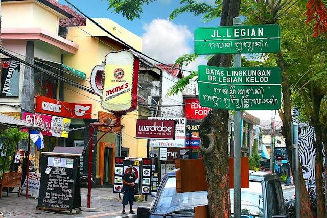 Tempat Wisata Belanja di Bali yaitu Jalan Legian