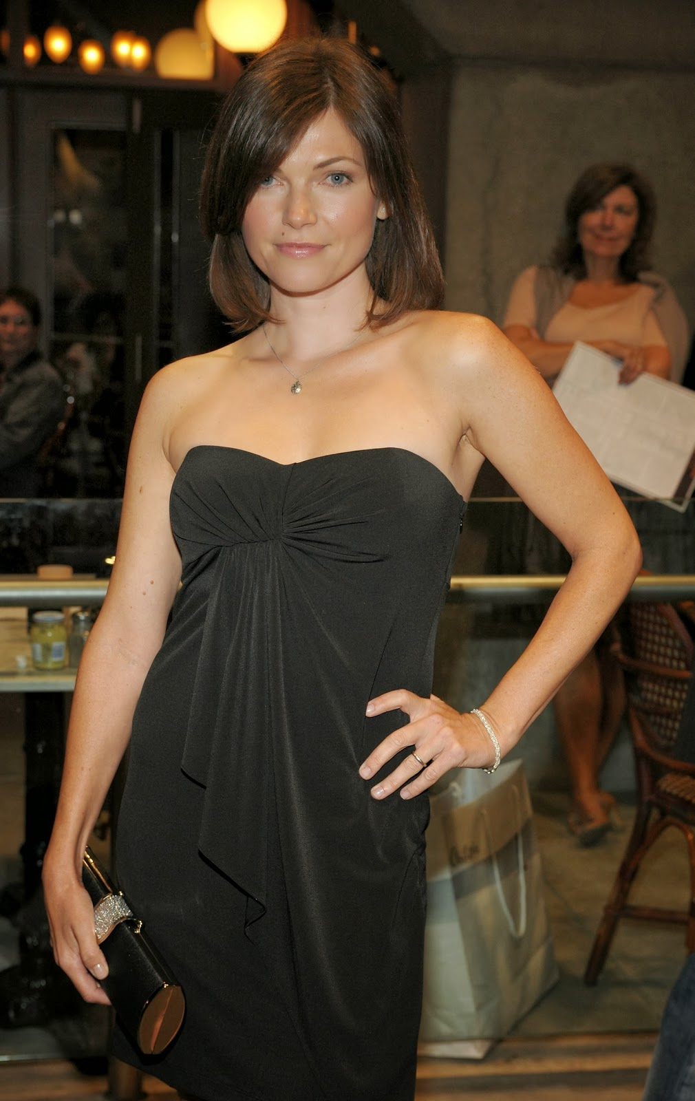 Nicole De Boer Photo