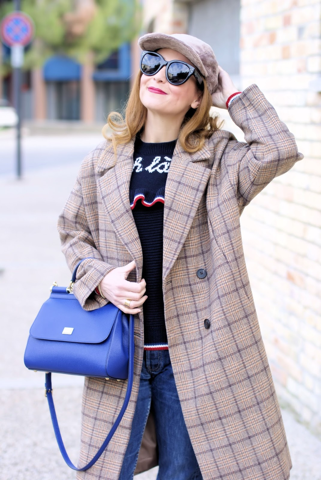 Metisu coffee check coat, Lazzari Ohlala sweater on Fashion and Cookies fashion blog, fashion blogger styl
