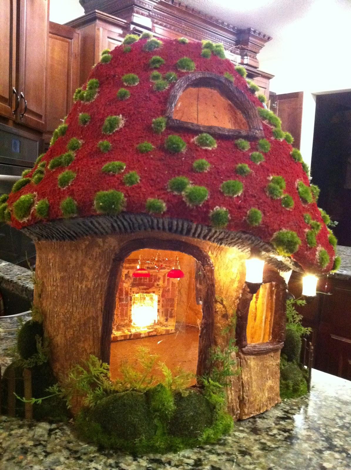 Gnome Garden: Greggs Miniature Imaginations: Gnome Mushroom House, Lots