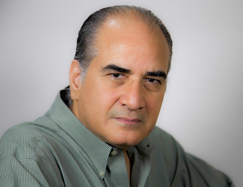 Luis Lopez Nieves: Escritor Entrevistado (en español) - Revista ...