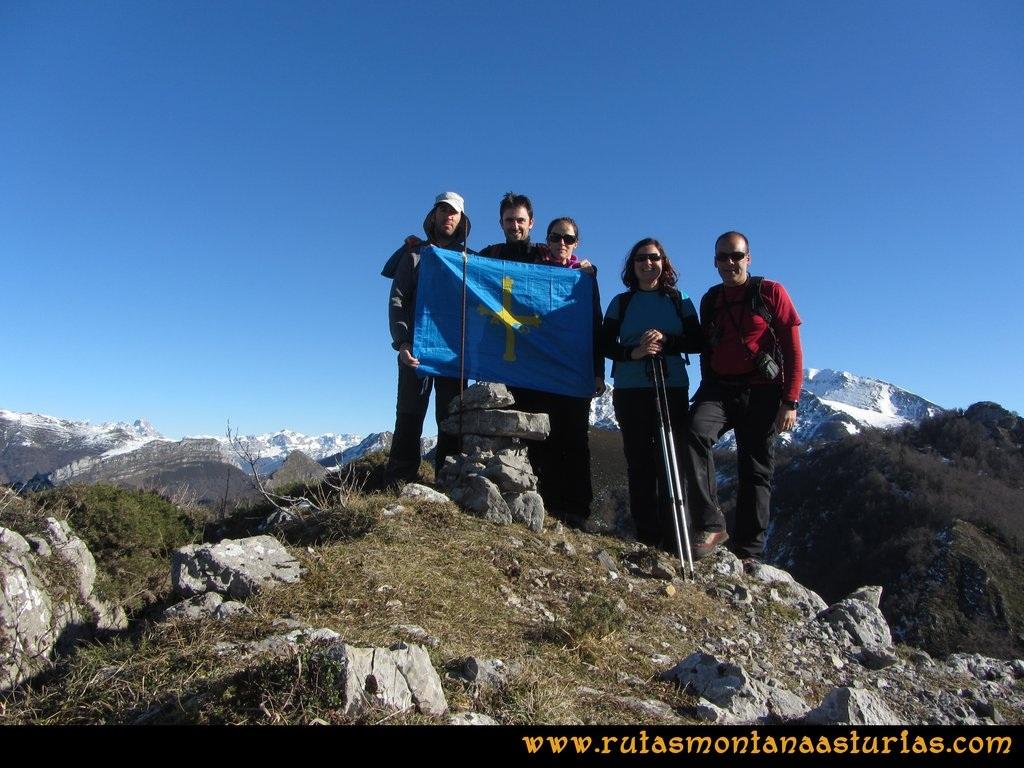 Pico Mosquito desde Tarna: Cima del pico Paréu