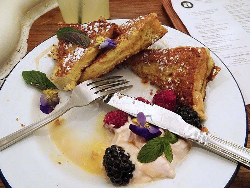 London_Attentdant_Toilet_Cafe French Toast
