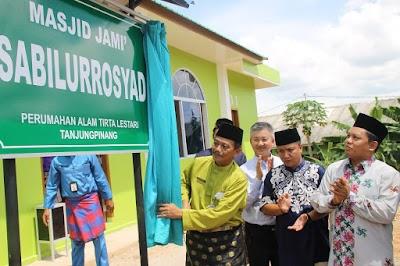 Pj Walikota  Drs. Raja Ariza, M.M., Resmikan Masjid Jami Sabilurrosyad
