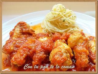 Alitas de pollo guisadas con tomate