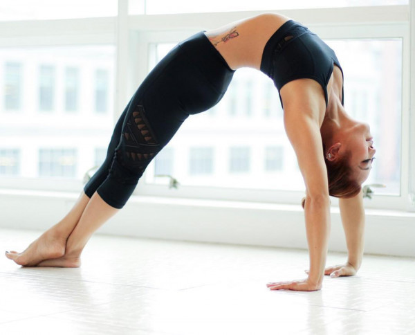 Những cách chống mất nước khi tập luyện Yoga vào mùa hè
