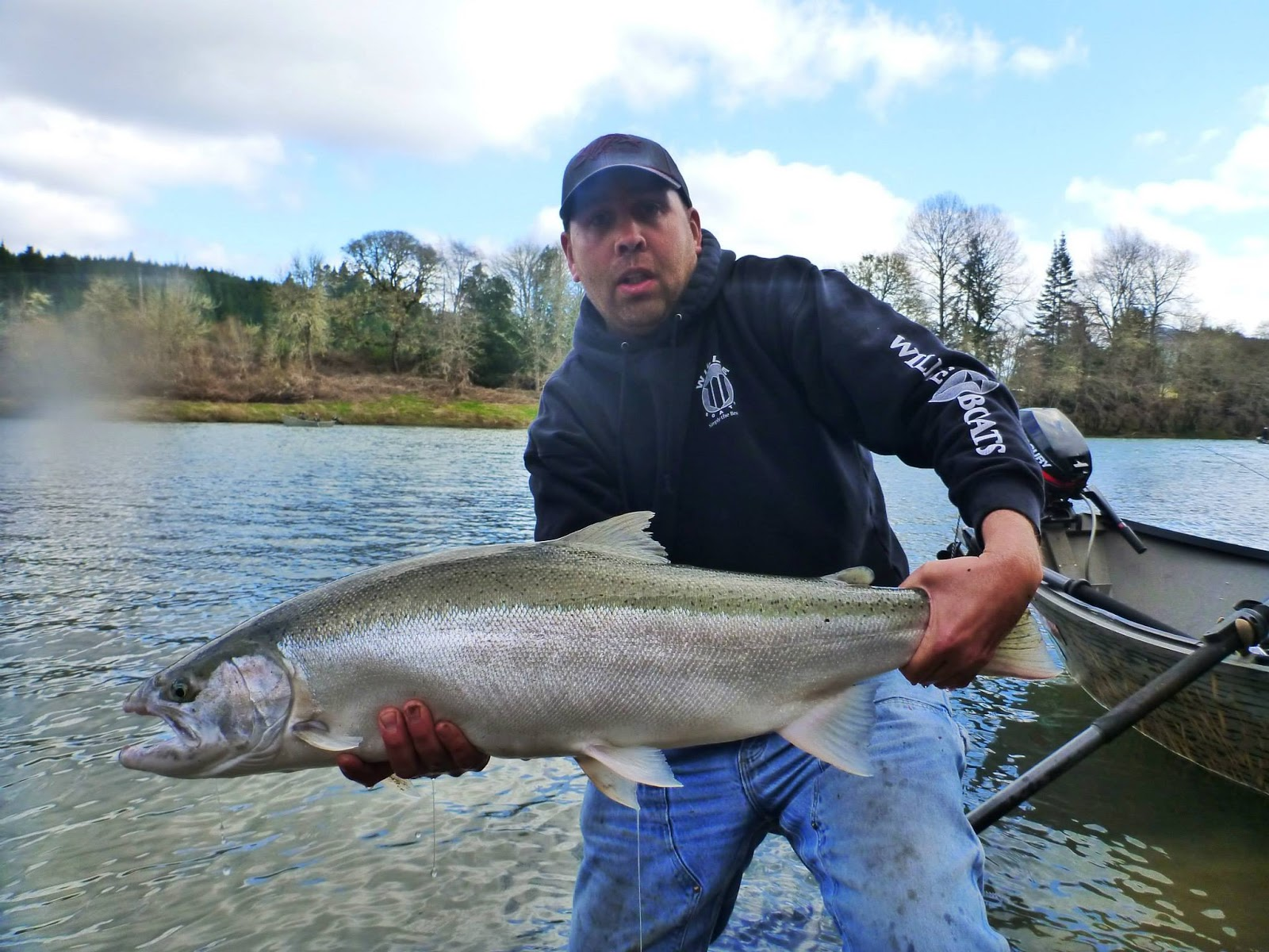 Umpqua fishing guide for Salmon fishing season oregon