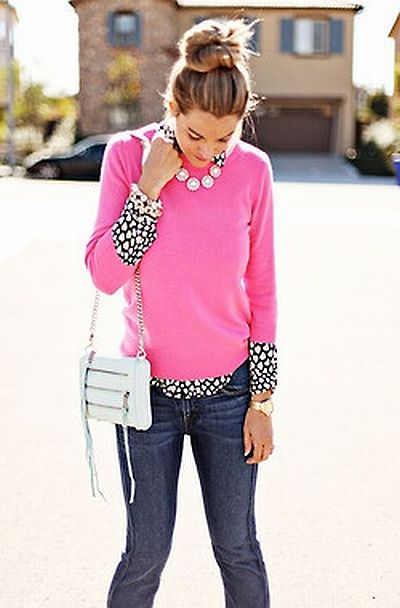 street style: lovely fall outfit with pink sweater
