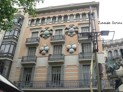 barcelona-casa-cu-umbrele-1