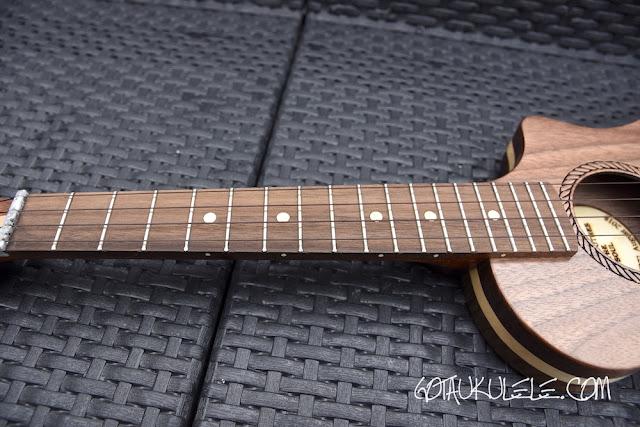 Bonanza Oreo Tenor Ukulele fingerboard